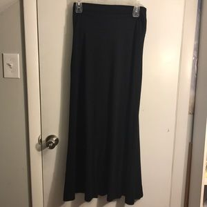 Black Mossimo maxi skirt